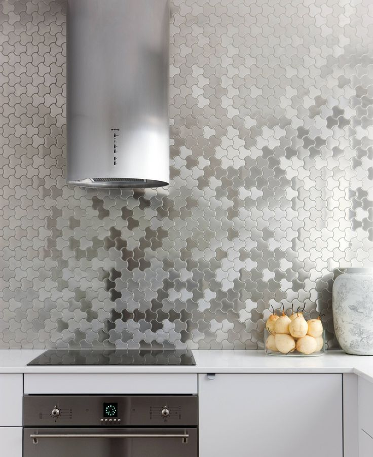 Karim for ALLOY Ubiquity mosaic tile in Brushed Stainless Steel. Kitchen Splashback. Kitchen interior by Brendan Wong Design. Photo by Maree Homer.