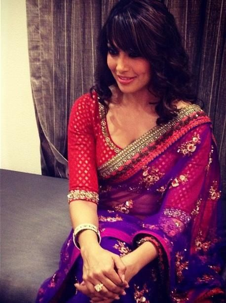 Manish Malhotra sari and the LOOK - long blouses online, white blouse with long sleeves, work blouses online *ad