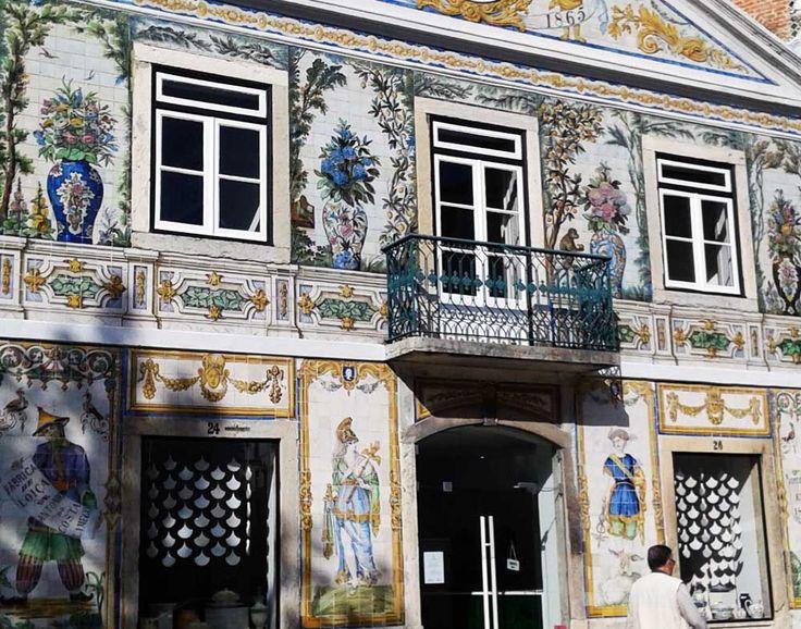Lisbon Tiles. Fábrica Viúva do Lamego. Intendente - Lisbon.
