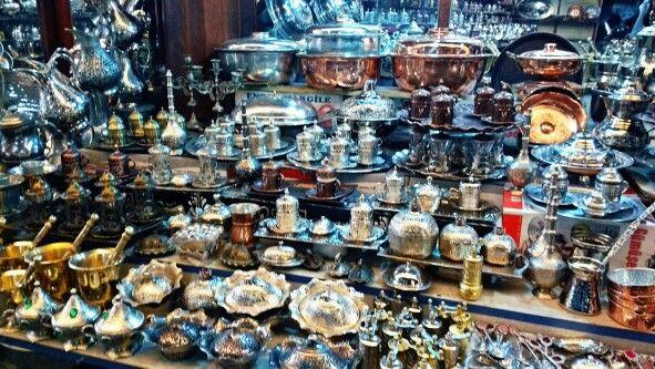 Gaziantep geleneksel Bakır işlemeleri . Bakırcılar çarşısı
