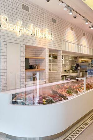 Third location of The Seafood Bar in De Pijp in Amsterdam. Buy or eat delicious fresh fish dishes at this place! http://www.yourlittleblackbook.me/the-seafood-bar-de-pijp/