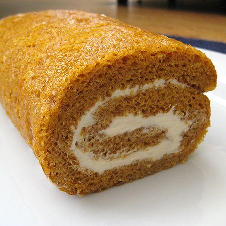 my favorite fall treat...pumpkin roll!