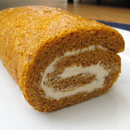 my favorite fall treat...pumpkin roll!