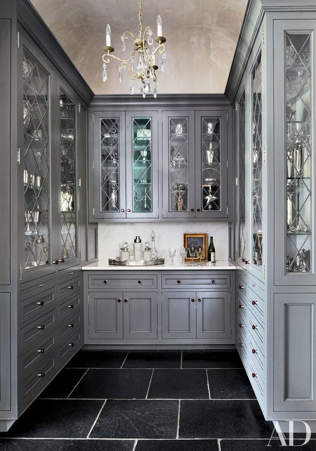 Kitchen pantry ideas for a seriously stylish and organized for Butler pantries kitchen designs