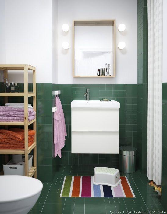 Diminețile sunt mereu pe fuga? Adaugă un taburet în fața chiuvetei și cel mic se poate spăla singur pe dinți în timp ce tu faci patul #bunadimineata #CatalogIKEA2015