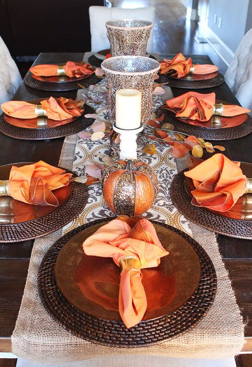 Love the burlap table runner for this Fall Dining Room Table