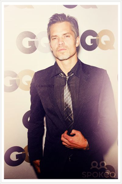 Timothy Olyphant... that slightly older gray haired sexyness