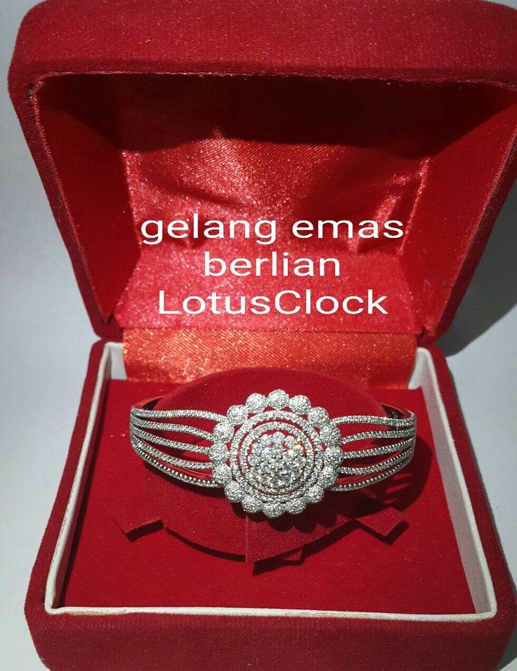 Beautiful. Elegant. Best quality. ❤❤❤ Gelang Emas Berlian LotusClock Style.   Toko Perhiasan Emas Berlian-Ammad +6282113309088/5C50359F  Cp.Antrika.  https://m.facebook.com/home.php #investasi#diomond#gold#beauty#fashion#elegant#musthave#tokoperhiasanemasberlian