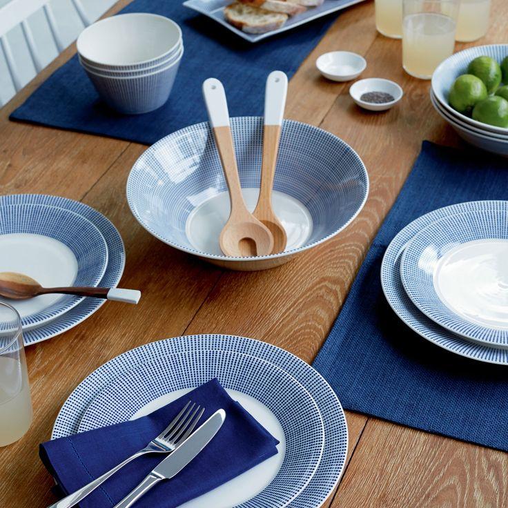 Voor de echte liefhebber van stippen! Deze Pacific serviesset van Royal Doulton is er vol van. Het porseleinen servies kun je mooi combineren met de andere Pacific prints binnen deze serie waardoor je een prachtig blauwe tafel dekt.