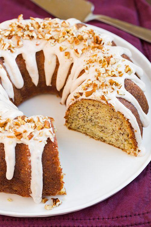 Banana cake with cream cheese icing! - Κέικ μπανάνας με γλάσο κρέμας τυριού!