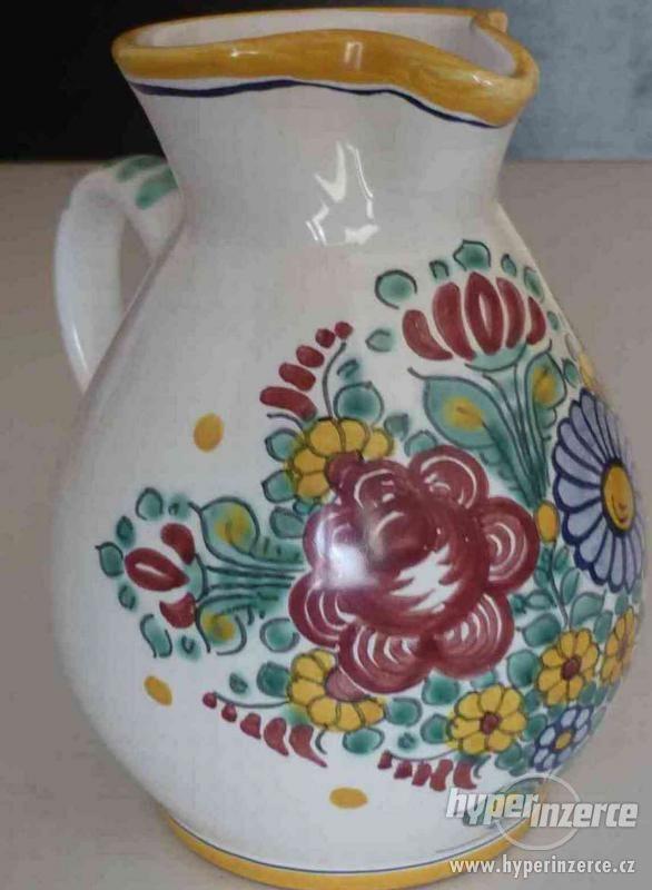 keramický ručně malovaný džbán