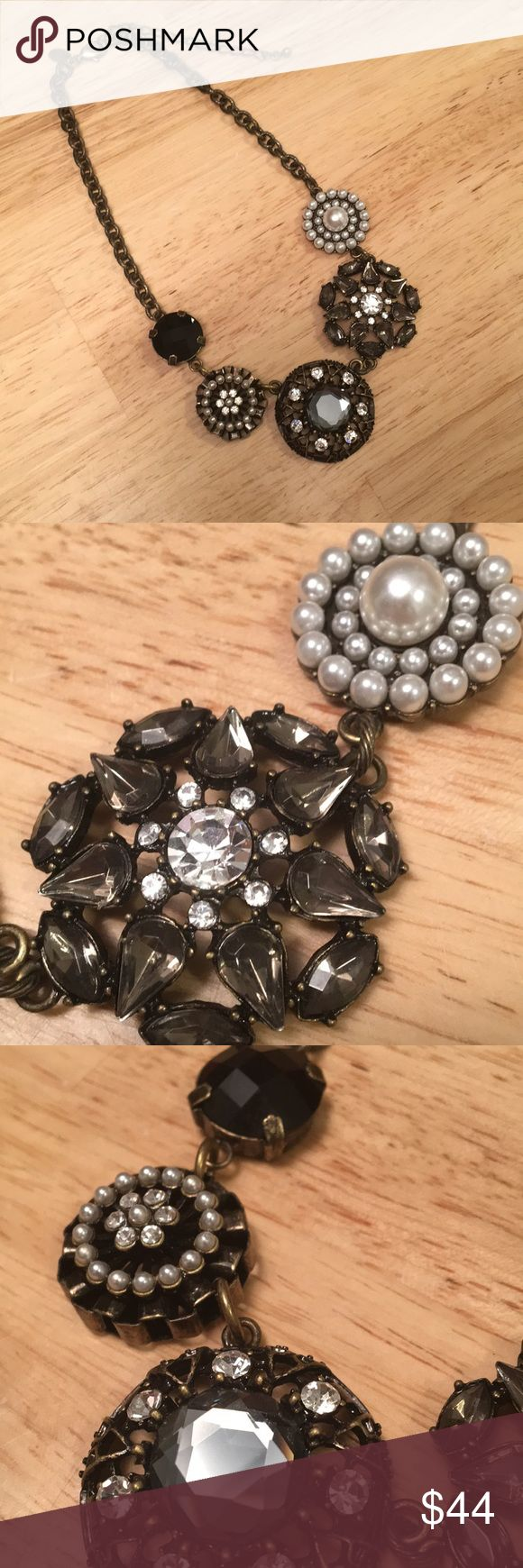 """Lia Sophia Necklace Lia Sophia Curio is adjustable from 9""""-12"""" drop. EUC. Bronze with a mix of pearls, white black and grey sparkle. A classic look. Lia Sophia Jewelry Necklaces"""