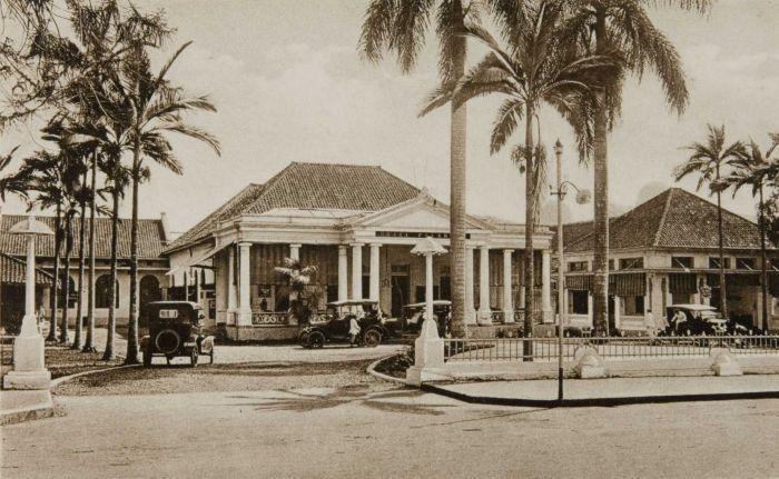 original+hotel+preanger.jpg (700×431)