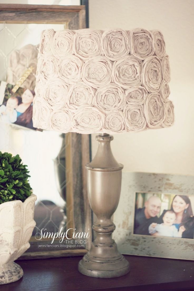 Simply Ciani: Diy Shabby Chic Rosette Lamp Shade  http://jenniferciani.blogspot