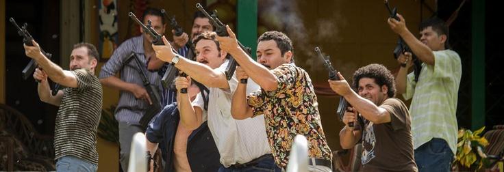 Tras un largo seguimiento, la organización de Pablo Escobar es perseguida y acorralada por las autoridades.