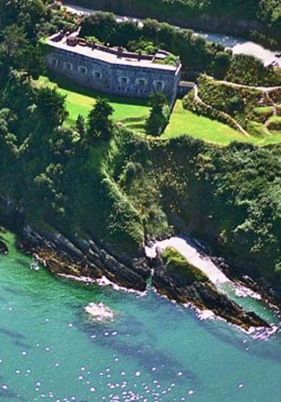 Polhawn Fort, Cornwall - A romantic clifftop wedding venue