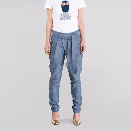 Defenetely these! Clever design and I like the light color. New designer for me.. #Ahoy #denimpants #weecos #finnishdesign #sustainable