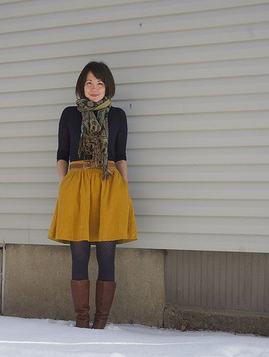 Love the combo of eggplant, mustard and brown.