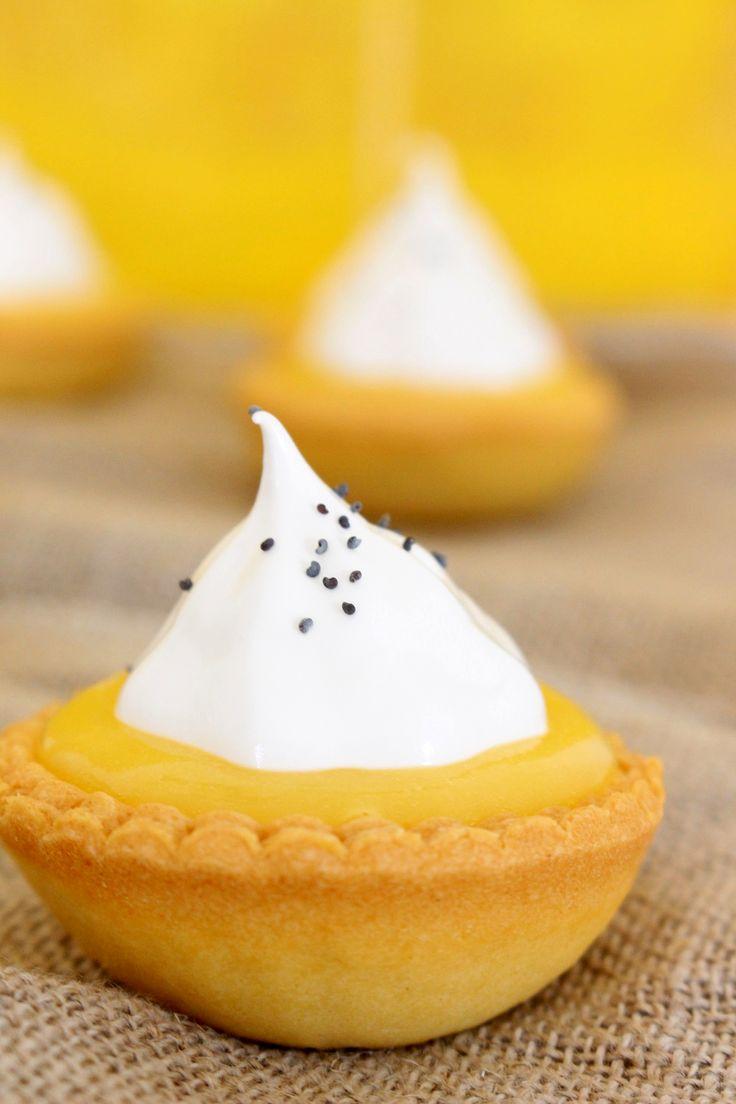 Sin duda una receta para los amantes de lo cítrico, el sabor ácido del lemon pie compensado con el sabor dulce del merengue es espectacular.