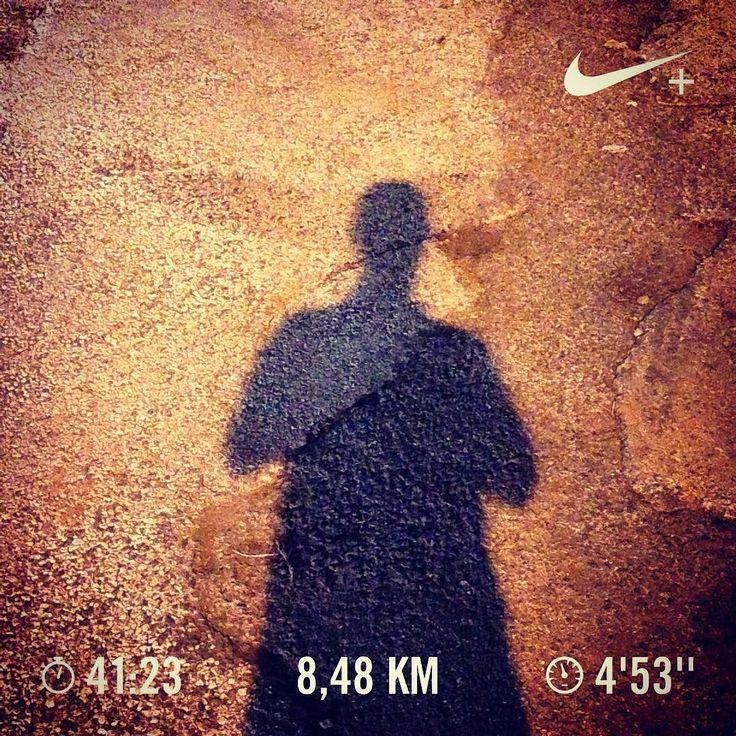 Faster than my shadow ! 7 x 1200m (4'55'' pace goal) with 0'30'' rest between sets. #run #runner #run4fun #runlife #running #runnerscommunity #instarunning #instarunners #somosrunners #workout #corrida #correr #nike #nikeplus #nikeplusrunners #healthylife #lifestyle #runaddict #runeveryday #justdoit #cidaderunit #runtoinspire #fitlife #runchat #seenonmyrun #worlderunners #nrc #temporun #shadow