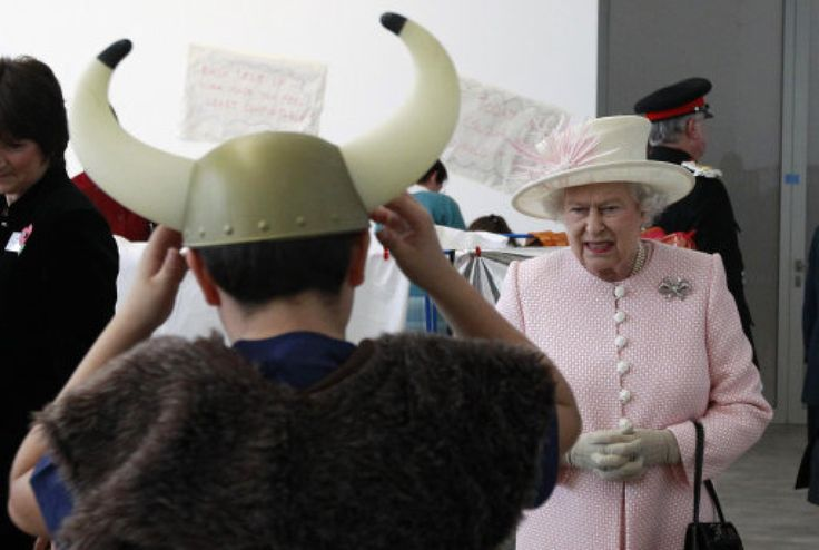 When it comes to behaving impeccably, being perfectly turned out, and doing and saying the right things at the right time, it's hard to beat Her Majesty ...