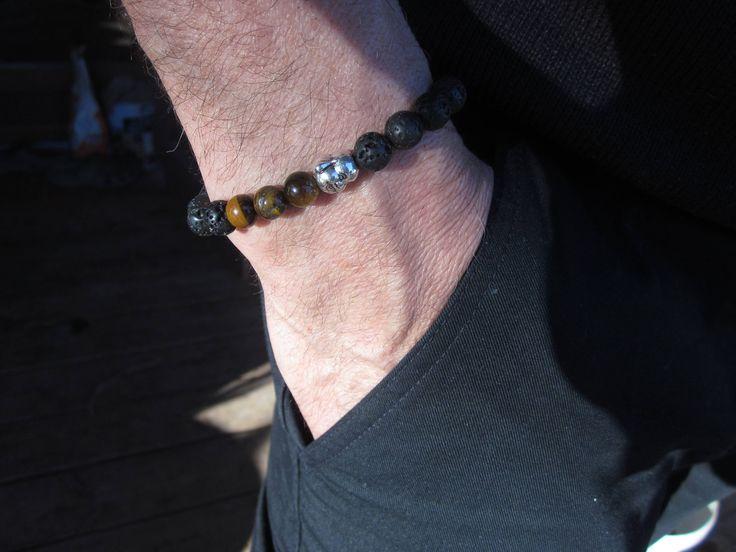 Voici ce que je viens d'ajouter dans ma boutique #etsy: bracelet homme pierre de lave et oeil de tigre