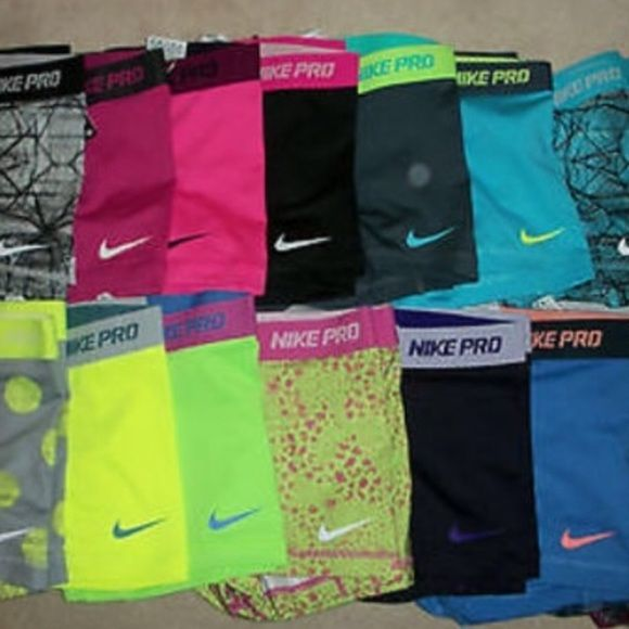 """ISO 3"""" Nike Pros!! I'm looking for a black pair of small Nike Pros, preferable under $20  Nike Pants"""