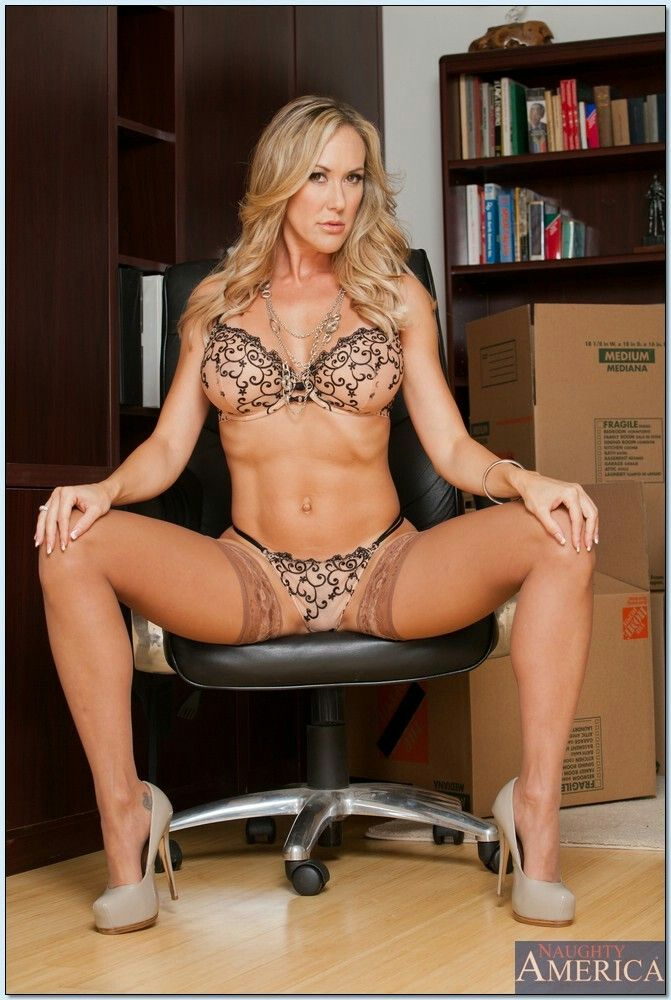 Brandi Love Is A Horny Secretary - Brandi Love & Bruce Venture in \