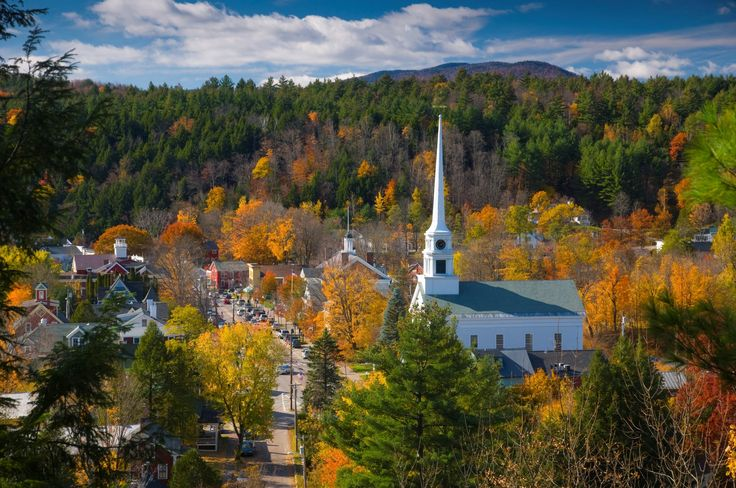 Fall foliage tour of New England.The quintessential Vermont village of Stowe is found in a cozy valley where the West Branch River flows into the Little River and mountains rise to the sky in all directions.