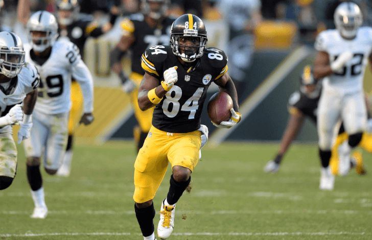 Daily Fantasy Football NFL 2016 Week 4 Experts Wide Receivers top Picks for Fanduel & DraftKings ELITE OPTION: Antonio Brown (DK: $9700 FD: $9700)Brown is simply the best option in the Steelers offence.  He delivers huge performances more often than not and even when his team fails to rea