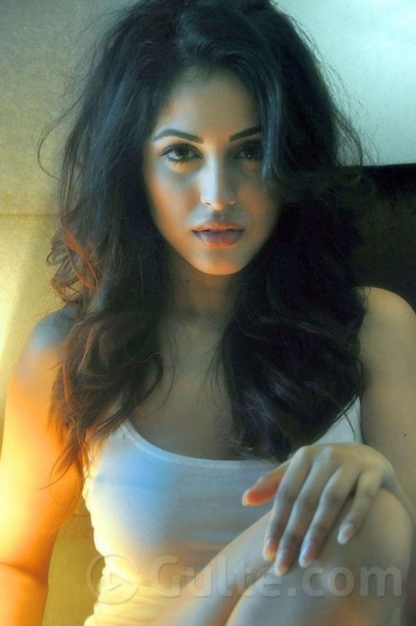 Priya Banerjee Sexy Photos
