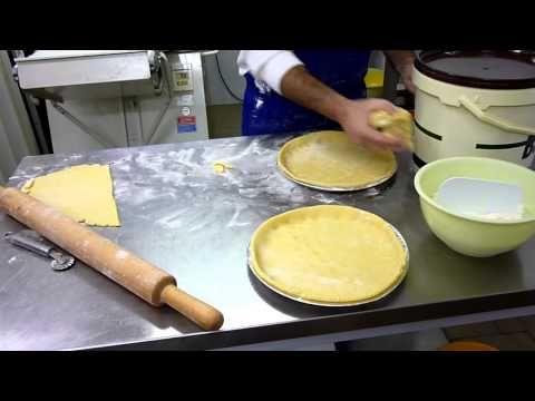 Come fare la Crostata o Torta di Mele : Ricette Dolci e Cucina - YouTube