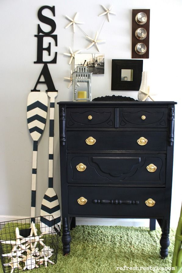 In The Navy: Maison Blanche Vintage Furniture Paint nautical coastal makeover #paintedfurniture #ad