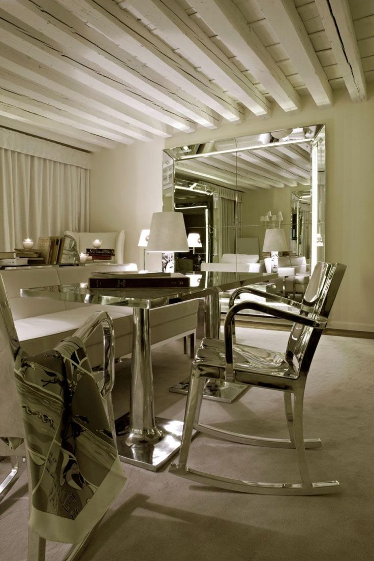 Philippe starck interior living room - Palazzina Grassi Hotel Venice Italy Designed By Philippe Starck 2009 Beautiful Hotelsbeautiful Placesphilippe Starckliving Room Interiordesign