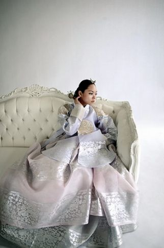 Gorgeous and glamorous hanbok with beautiful silver decoration on silk fabric. This outlook is just for the ones who want to be a princess! Feel the great elegance with this stunning hanbok. It will...