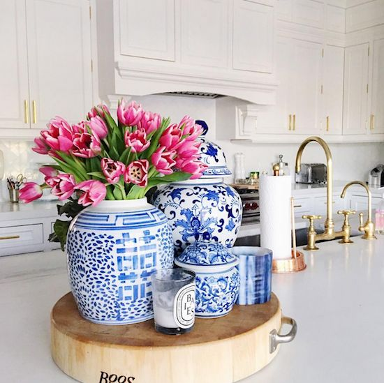 Zhush I love blue and white Chinese porcelain in the kitchen. A cutting board is a great way to group a collection.