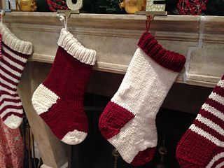 If you're looking for a quick Christmas stocking pattern, you've come to the right place. You can knit this up in a day (it took me about five hours).
