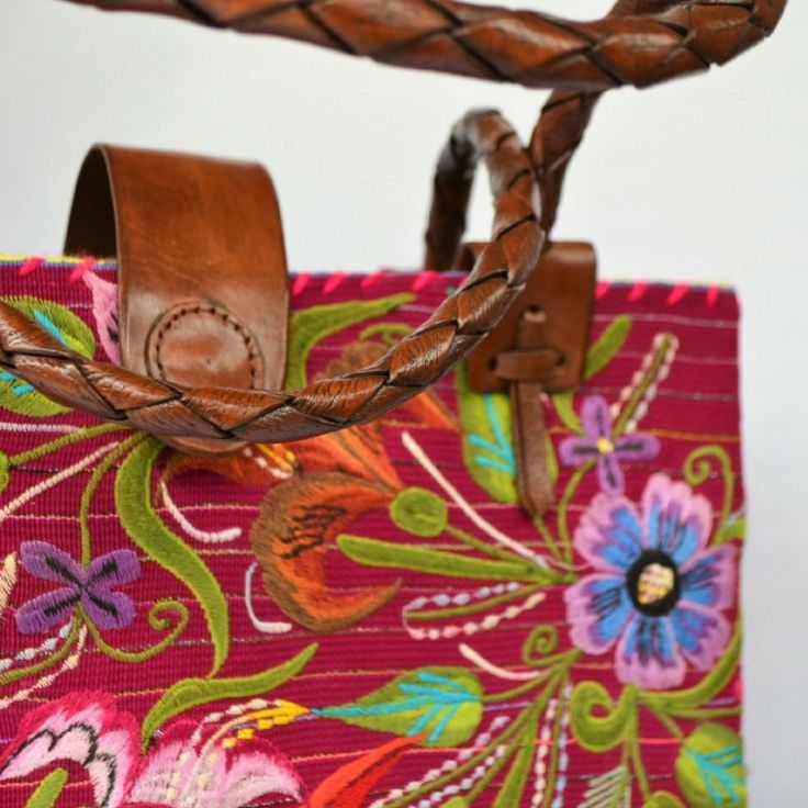 Medium purple tote bag from Zinacantán, Chiapas made in a foot pedal weaving loom. #fashion #shopping #style #cute #artisan #handmade #happy #joy #alegreea #valentines #valentinesday #love http://www.alegreea.com/regions/marca-chiapas/medium-purple-tote-bag-from-chiapas-foot-pedal-weaving-loom.