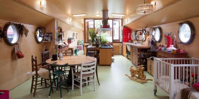 Transformation of a Barge into a Home | HM-decor