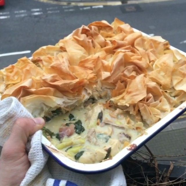 Got some left over turkey? Use it to make this quick filo pastry pie  #Leanin15 and get back on board the lean train  Knob of butter Leek  Mushrooms Cooked turkey  250ml of chicken stock  One tablespoon of corn flour mixed into some water 100ml double cream Fresh rosemary Salt and pepper Spinach  filo pastry  Bang it in the oven for 15-20 mins on 190degrees c  Enjoy
