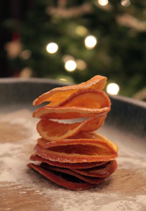 Make dried orange slice ornaments orange slices for Baking oranges for christmas decoration