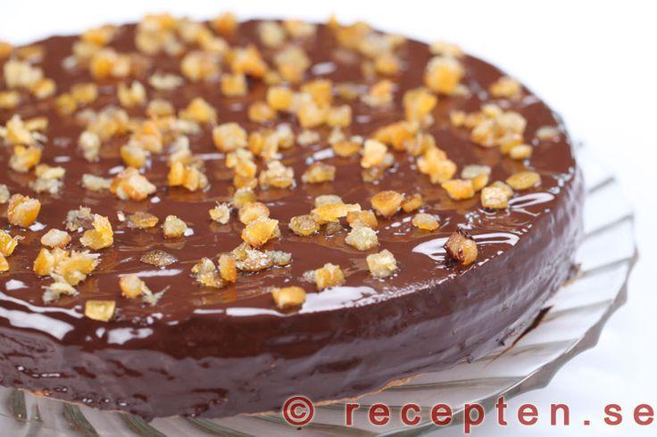 Apelsinchokladkaka - Recept på mycket god och fin apelsin- och chokladkaka som du gör lika enkelt som  sockerkaka - med apelsin och choklad. Enkelt recept med steg-för-steg-bilder.