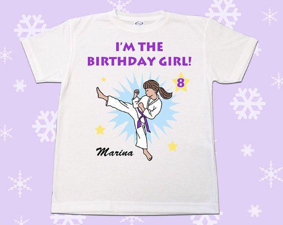 Personnalisé de karaté ou Arts martiaux anniversaire T Shirt pour les filles - Kick Design