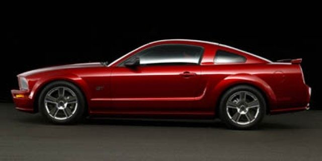 I need this in my life!!!!! A 2005 mustang for sale in Owensboro Kentucky