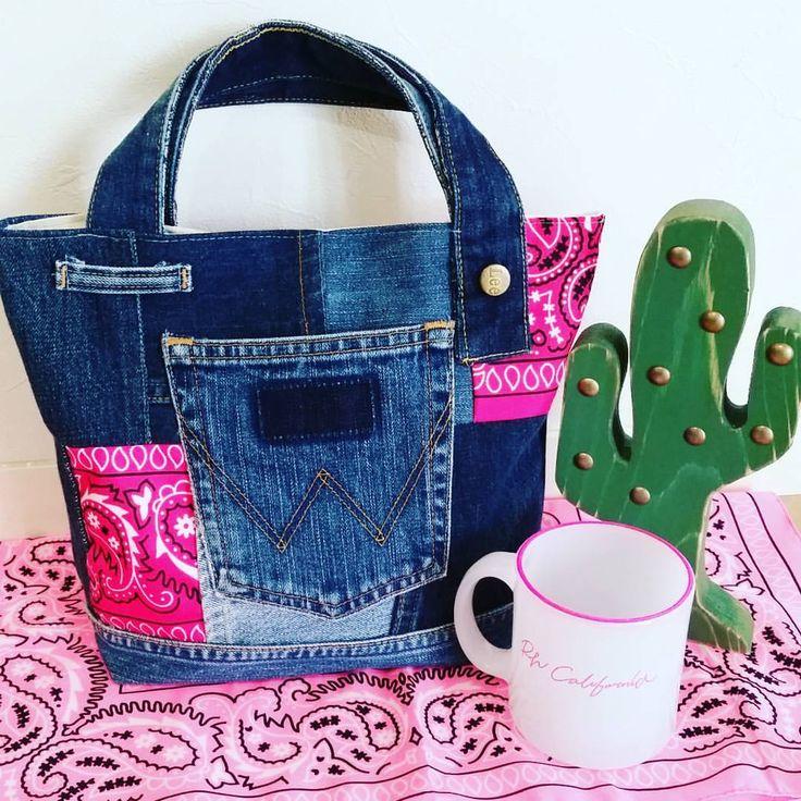 💗 ピンクは可愛い💗 女は何だかんだアラフォーでも好きな色 友達の友達からの 頼まれ物☺👌 ありがとう😚 💗💗 💗💗💗 #pink#ピンク#トート#デニムトート#denim #サボテン#バンダナ#バンダナトート #カリフォルニア#beachrhc#ランチ#お弁当#