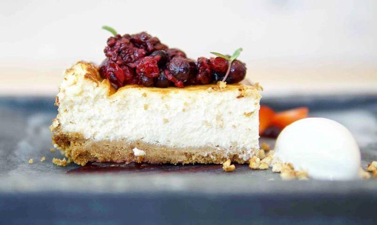 Tarta de queso y frutos rojos: aprende a prepararla como si fueras un 'chef Michelin'