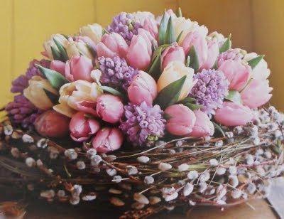 (via Easter Parade ❤ / Spring centerpiece)