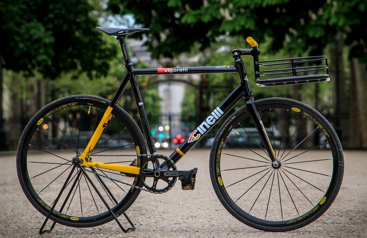That's my kinda delivery bike #Cinelli