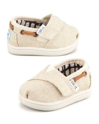 Tiny TOMS Burlaps...Need these for Carrah! She'll get a pair and I'll