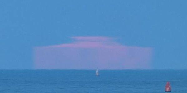 Το... ορθογώνιο φεγγάρι που προκάλεσε θεωρίες συνωμοσίας!   Εικόνες